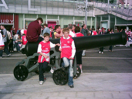 Ben & Luke Morris - Arsenal v Villa - Aug 07