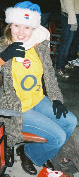 Evelien Gunner @ Arsenal v Chelsea - December 2005 - Photo by Jayl